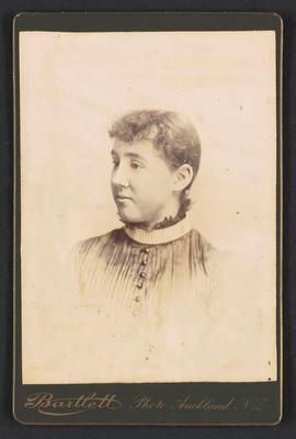 Cabinet photograph [Mildred Kerr Taylor]